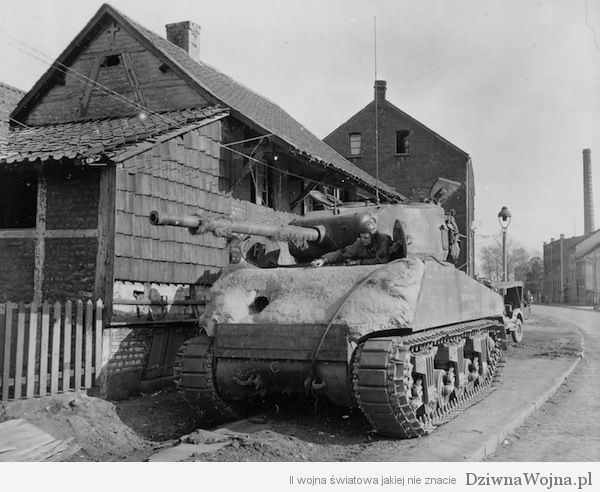 Betonowy M4 Sherman 2nd armored division 1945