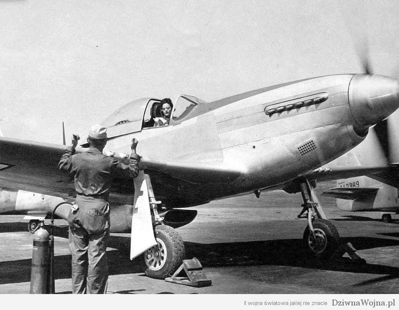800px-Florene_Watson_in_her_P-51