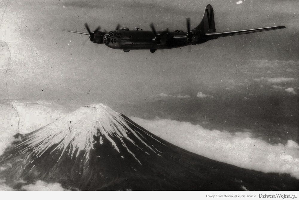 B29 nad gora Fuji 1945