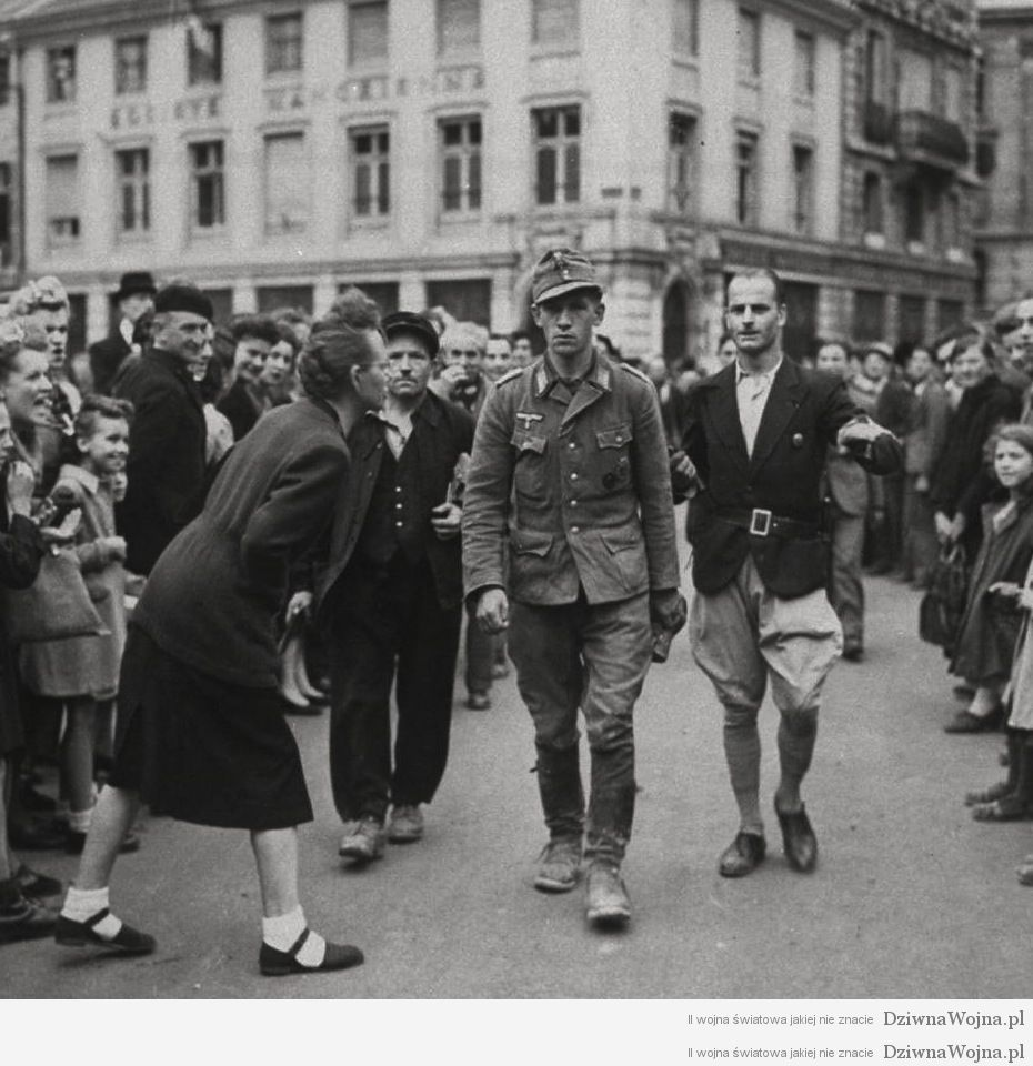 francuska kobieta przeklinajaca niemieckiego zolnierza iii rzesza