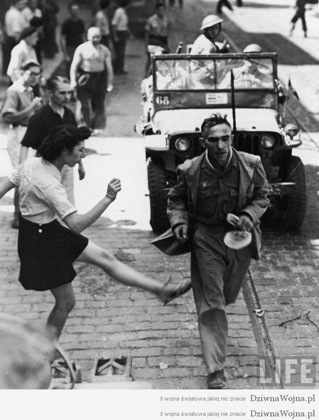 Mloda kobieta kopie bezbronnego niemieckiego jenca Toulon 1944