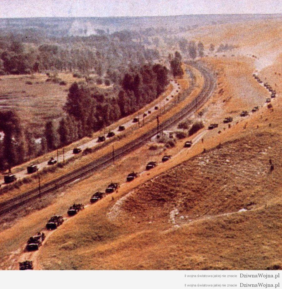 Niemiecka kolumna pancerna podczas Operacji Barbarossa 1941