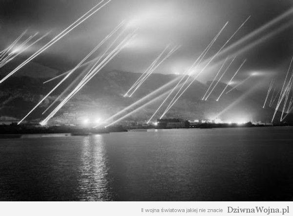 Reflektory-przeciwlotnicze-Gibraltar-1942-a