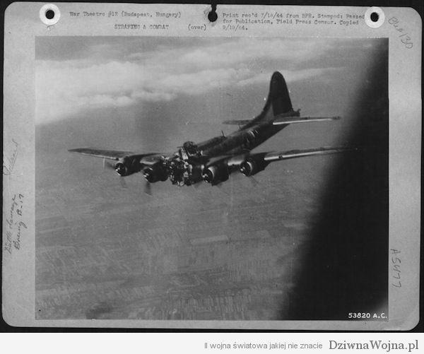 zmasakrowany b-17