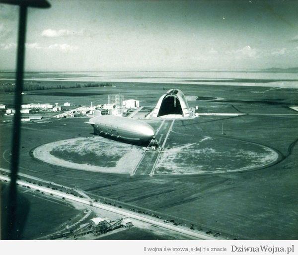 USS Macon w bazie