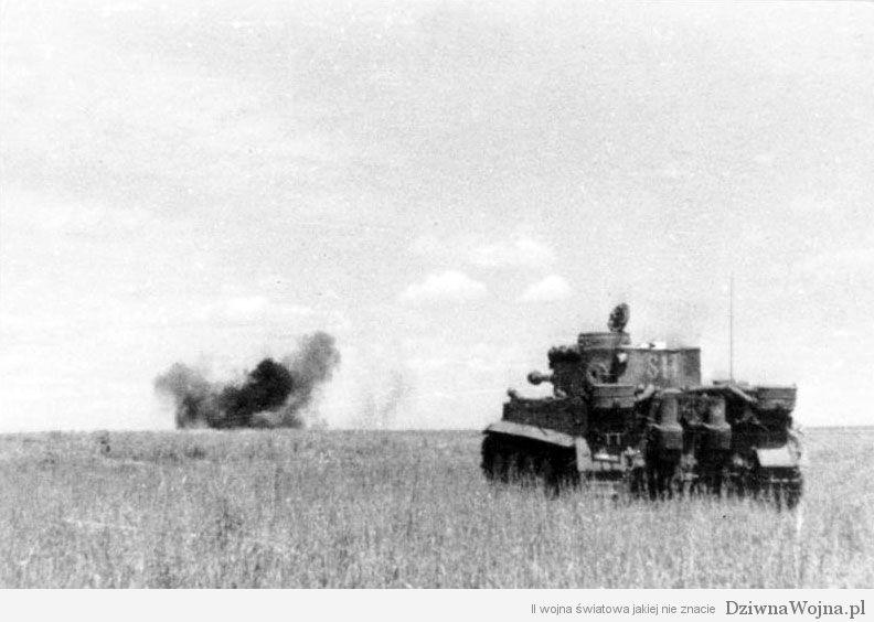 Bundesarchiv_Bild_101III-Groenert-019-23A,_Schlacht_um_Kursk,_Panzer_VI_(Tiger_I)
