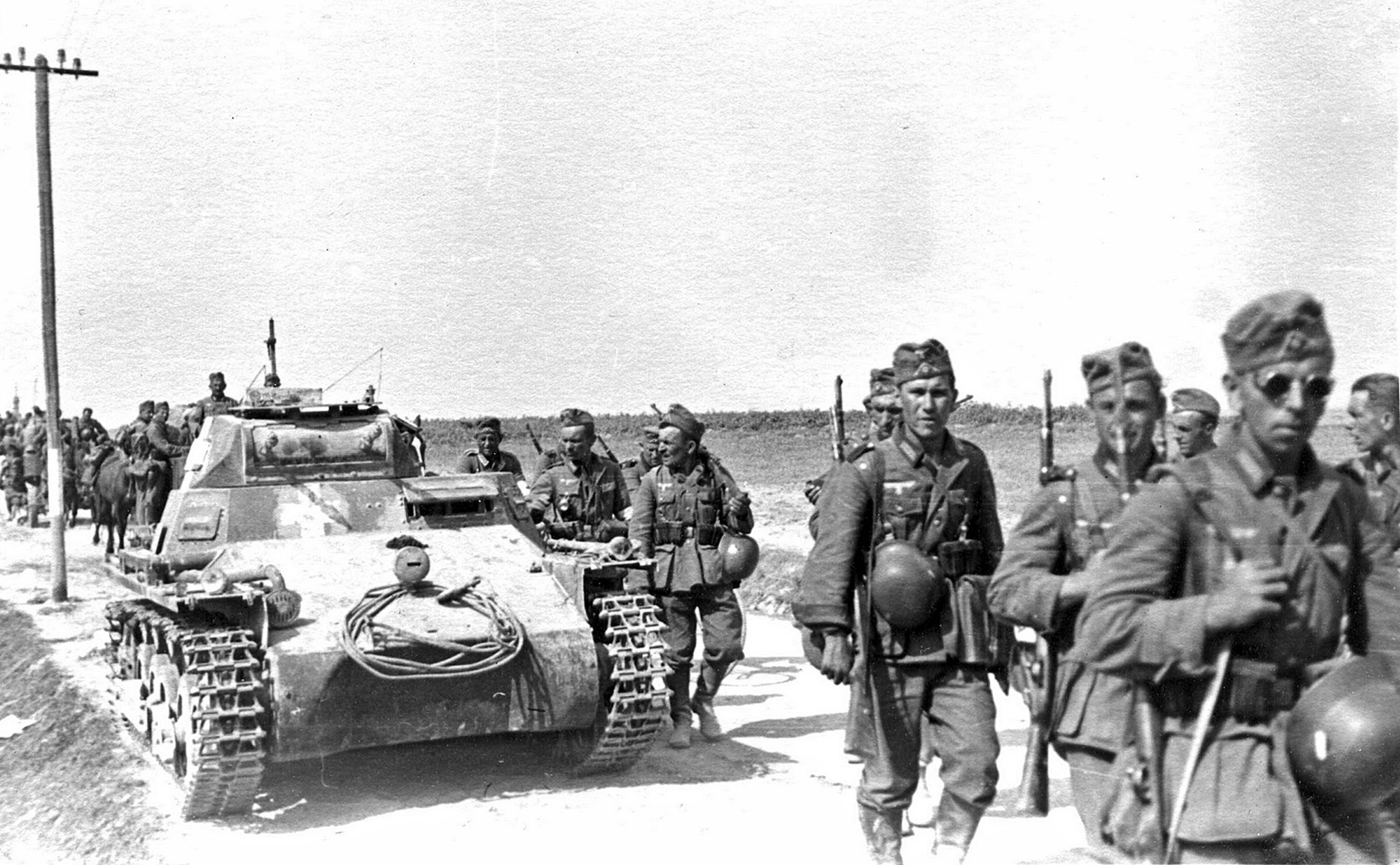 "A column of German forces during Operation ""Barbarossa"""