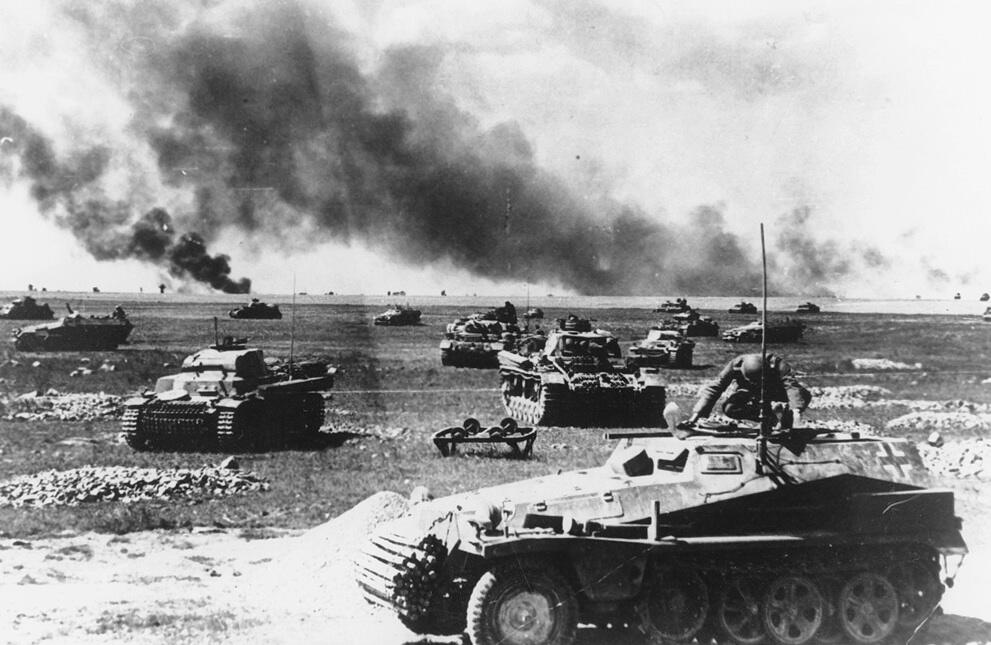 Operation-Barbarossa-1941-German-Panzers-in-Russia
