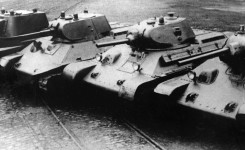 A-8 (BT-7M), A-20, T-34 Model 1940 i Model 1941