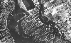 Zdjęcie lotnicze rejonów Wilanowa wykonane 18 września 1944 r. przez załogę jednego z samolotów B-17. (fot. Narodowe Archiwum Cyfrowe)