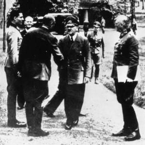 Stauffenberg w Wilczym Szańcu podczas spotkania z Hitlerem