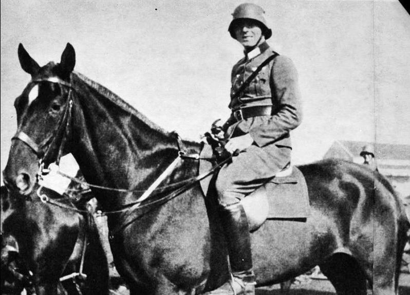 Claus von Stauffenberg podczas służby w 17. pułku kawalerii w Bambergu, 1926 rok