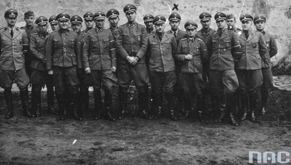 Funkcjonariusze gestapo w okupowanej Polsce (fot. NAC / )